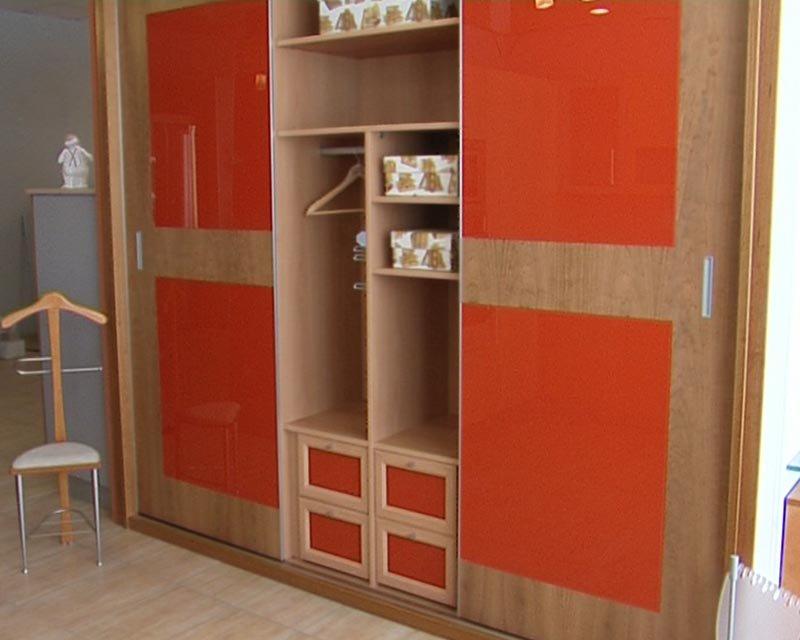 Carpinter a de madera en valladolid puertas cu llar for Puertas galvanizadas medidas